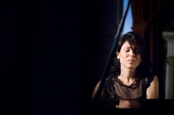 Piano solo - Maria Lilia Cano