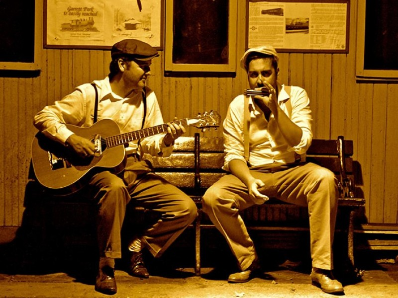 Friday's Blues & THE SUITCASE BROTHERS