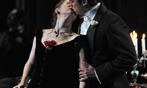 Opera · La Traviata