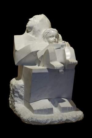'Maternité', Olivier Delobel ( Marble, 48 x 77 x 55 cm )