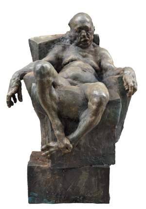 'Sitting man', Grzegorz Gwiazda ( Resina, 150 x 100 x 100 )