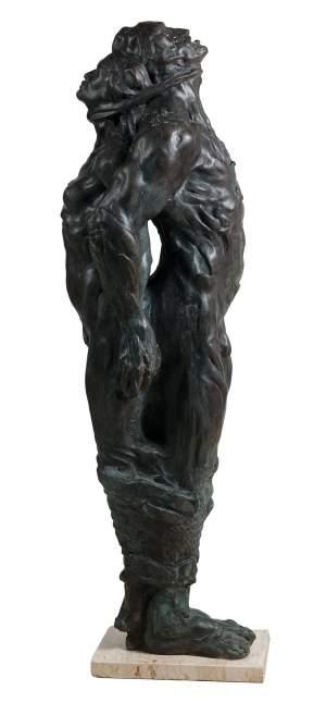 'Esclavos', José Manuel Martínez Pérez           ( Bronce, 120 x 41 x 36 )