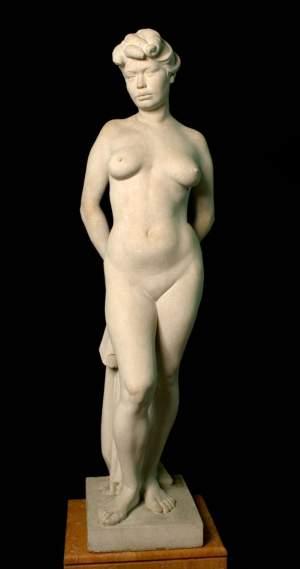 'Mujer de pie', MARTÍ LLAURADÓ ( , Altura: 130cm )